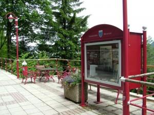 Schaukasten und Aussichtsplatz